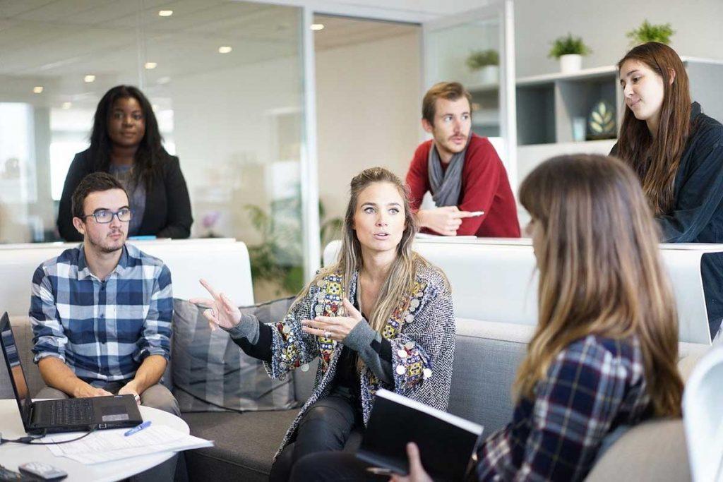 Waar moet je aan denken als je met relaties of collega's naar een congres gaat?